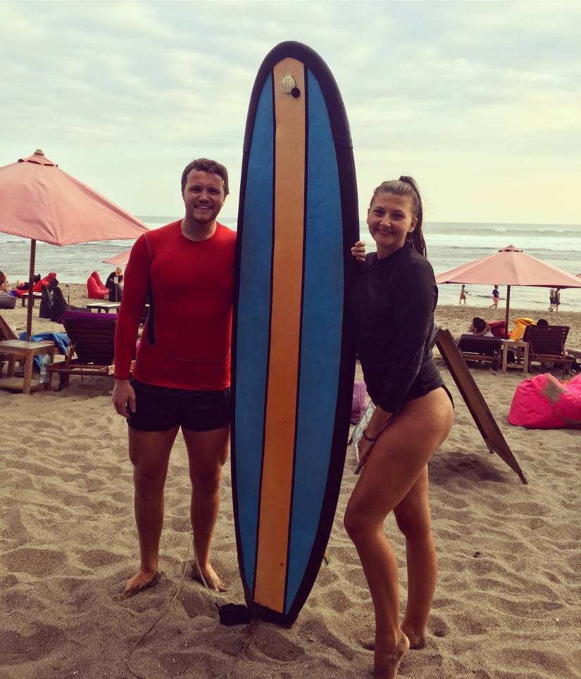 10 Days in Bali - Carly and Shaun with SurfBoard