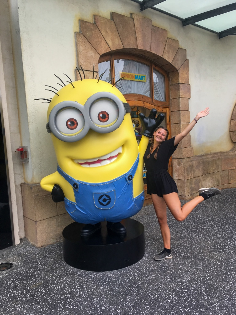 Two Days In Singapore - Carly and Minion and Universal Studios
